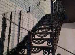 Чугунные лестничные ограждения 8